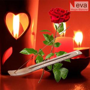 encens de rose pour rituel de magie rouge